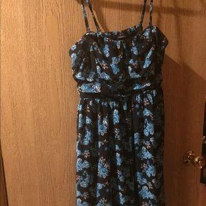 Torrid size 1 strap or strapless knee dress